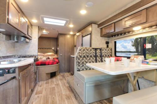 Four Seasons RV Rentals - Class C X-Large Motorhome | Kitchen & Dinette
