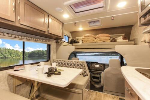 Four Seasons RV Rentals - Class C Medium Motorhome | Dinette