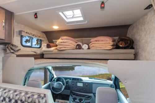 Four Seasons RV Rentals - Class C Medium Motorhome | Cab Bunk