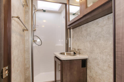 Four Seasons RV Rentals - Class C Medium Motorhome | Bathroom