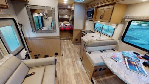 Four Seasons RV Rentals - Class C X-Large Motorhome | Dinette