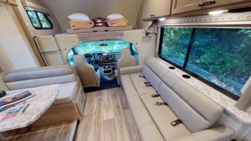 Four Seasons RV Rentals - Class C X-Large Motorhome | Dinette & Living Area