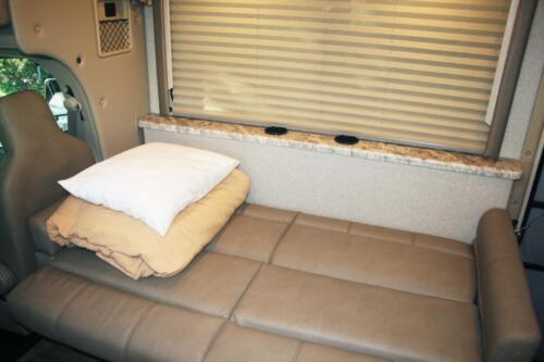 Four Seasons RV Rentals - Class C X-Large Motorhome | Dinette Bed